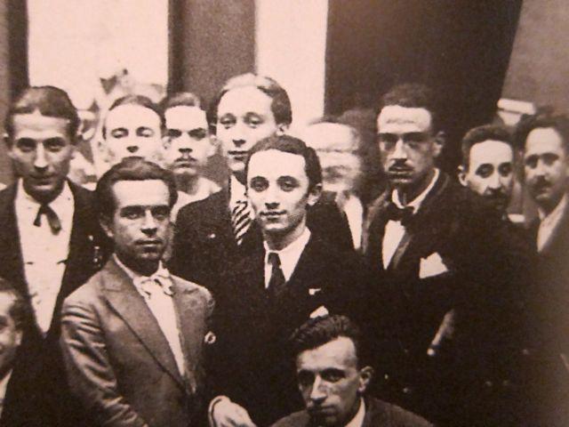Middle Burani, bunch of futurist at the galleria Pesaro, 1929-32.jpg