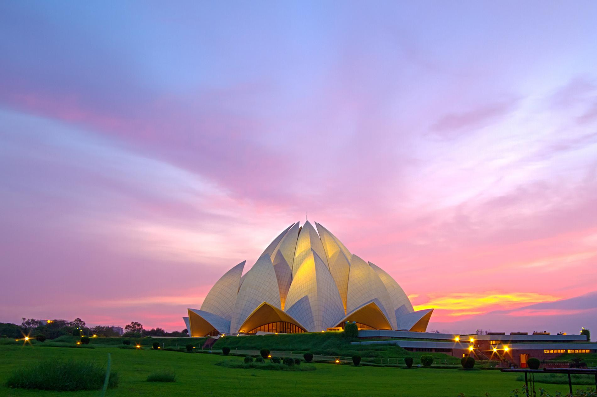 lotus-temple-delhi-india.adapt.1900.1.jpg